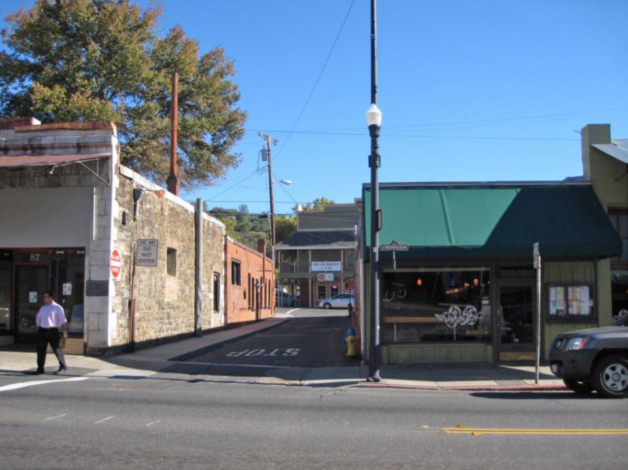 Convert Linoberg Street into a pedestrian paseo (before)